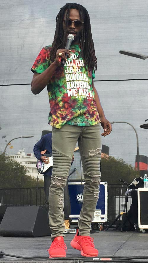 Jesse Royal performing at the 2018 One Love Cali Reggae Festival, Long Beach CA (Photo: Stephen A. Cooper)