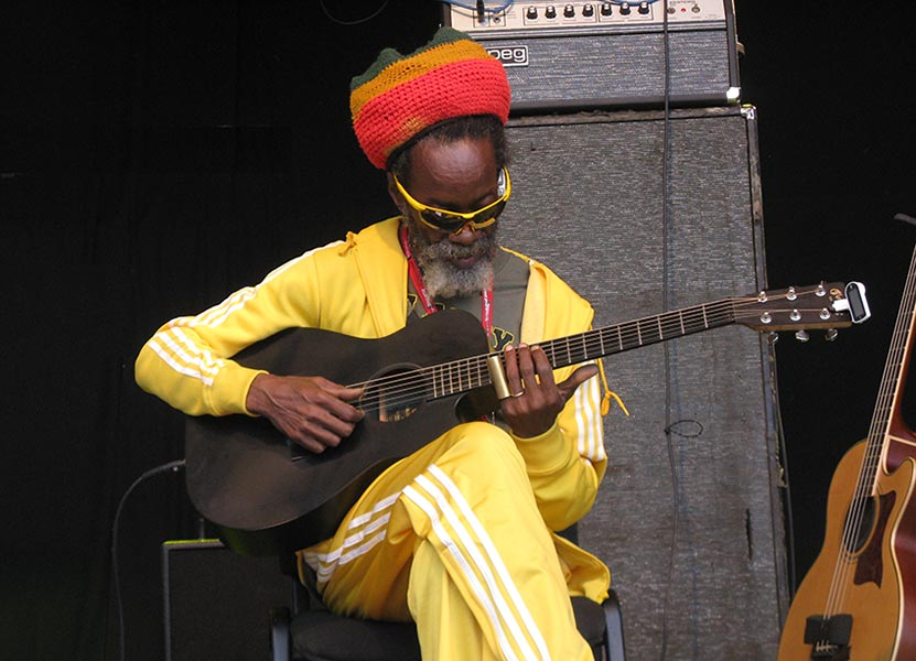Earl 'Chinna' Smith at Reggae Geel 2010 (Photo: Teacher)
