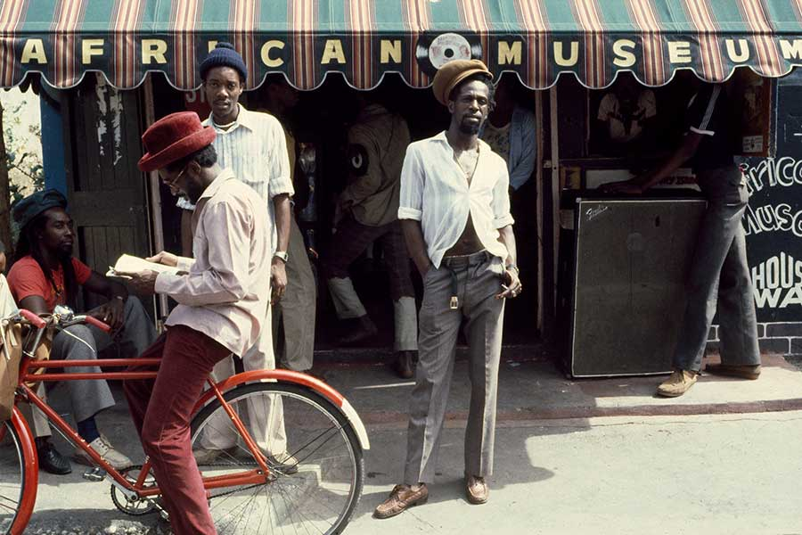 Click to view Gregory Isaacs photos