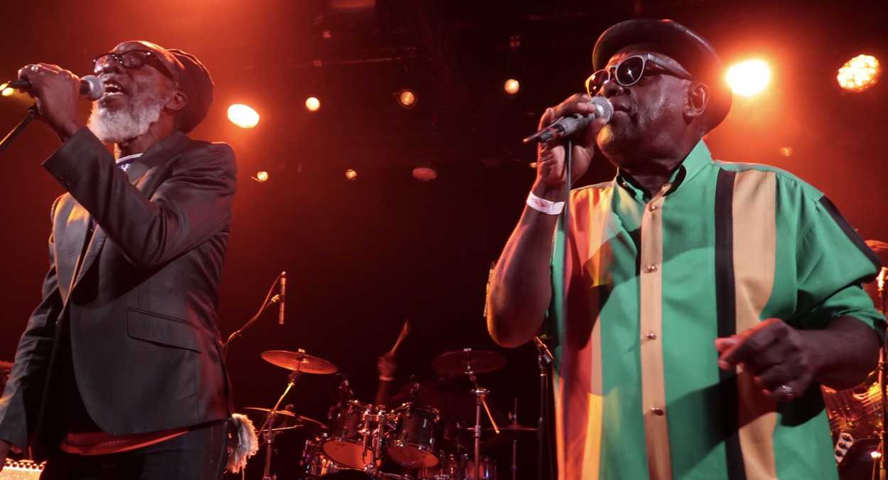Tabby and Judge Diamond performing at the Dub Club in Los Angeles (photo: Stephen Cooper)