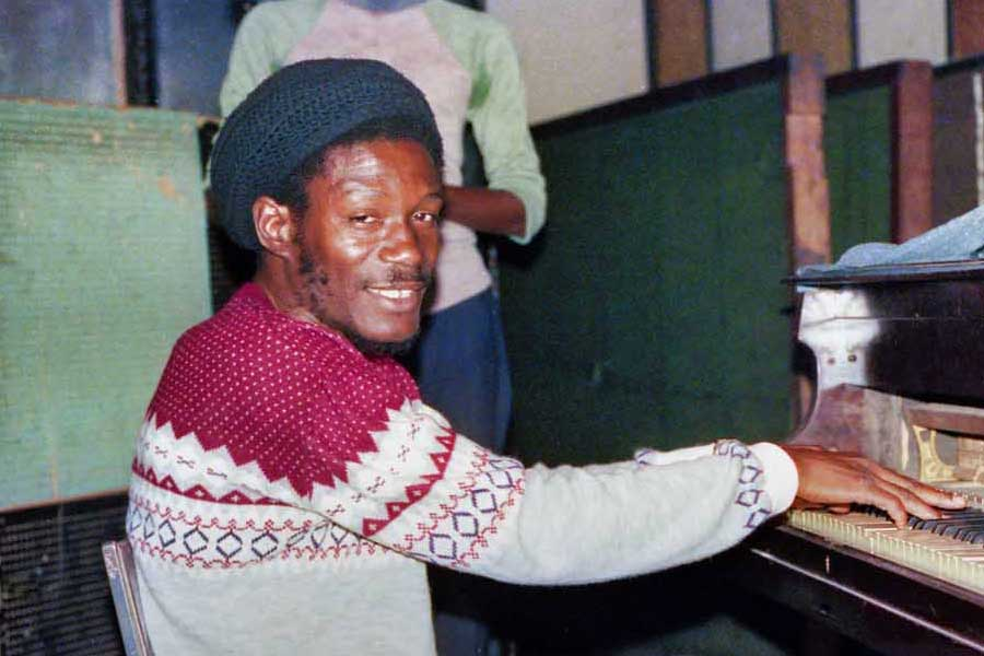 Click to view Horace Andy photos
